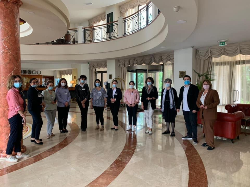 მ/წ წლის 23 სექტემბერს სსიპ კოლეჯის ,,ახალი ტალღა'' პროფესიულ საგანმანათლებლო დუალურ პროგრამაში ,,სასტუმრო მომსახურება'' პირველად საქართველოში გაიმართა საკვალიფიკაციო გამოცდა.